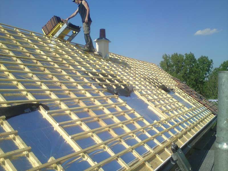 Couverture d'un toit dans le Val d'Oise (95)